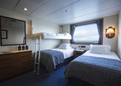 Triple-Bed-Cabin